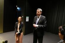 Pan Ambasador i pani Wicekonsul, Alicja Jakubiak podczas spotkania z Polonią.